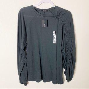 Zara Trafaluc Size Medium Gray Long Sleeve Tee